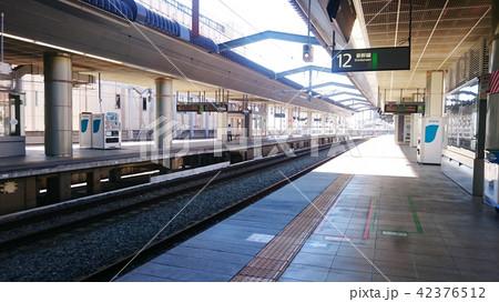 日本 長野 長野駅 新幹線のプラットホーム Japan Nagano Station 42376512