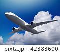 飛行機 旅客機 青空のイラスト 42383600