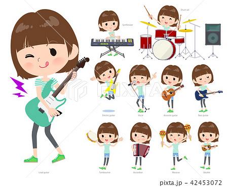 mischievous young  women_pop music 42453072