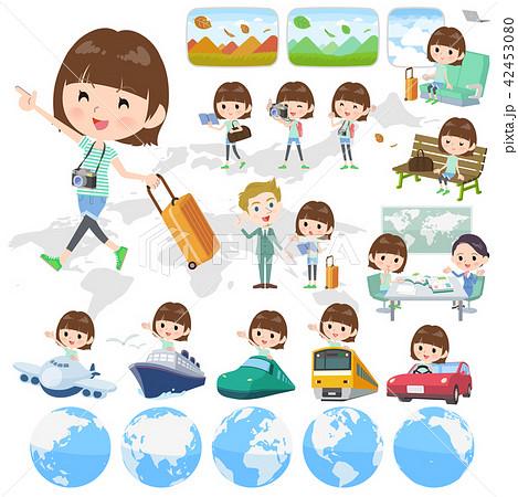 mischievous young  women_travel 42453080