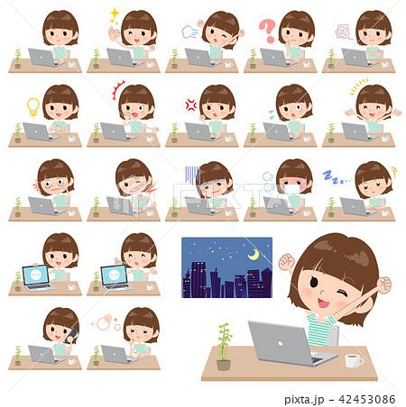 mischievous young  women_desk work 42453086