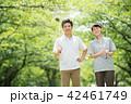 ミドル夫婦 ゴルフ スポーツ イメージ 42461749