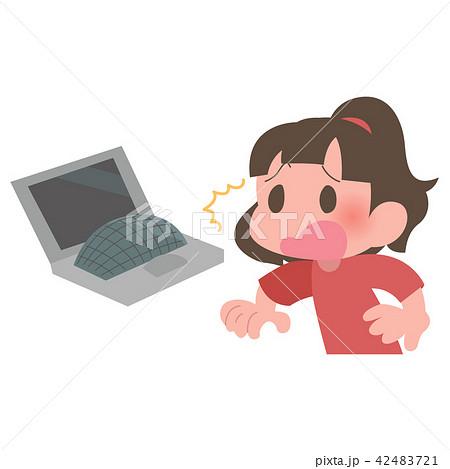 ノートパソコン バッテリー 膨張 慌てる 女性 42483721
