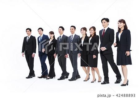ビジネス 白バック 大人数 ビジネスマン 男性 42488893