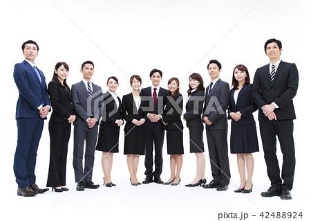 ビジネス 白バック 大人数 ビジネスマン 男性 42488924