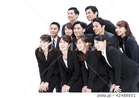 ビジネス 白バック 大人数 ビジネスマン 男性 42488931