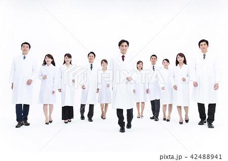 科学者 医者 科学 チーム 大人数 研究 女性 男性 42488941