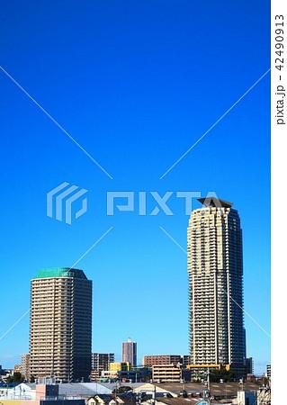 埼玉県川口市の高層ビル群 42490913
