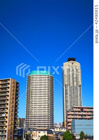 埼玉県川口市の高層ビル群 42490915