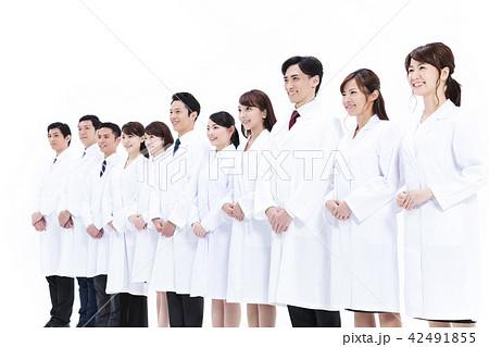 サイエンス 科学者 医者 科学 チーム 大人数 研究 女性 男性 42491855