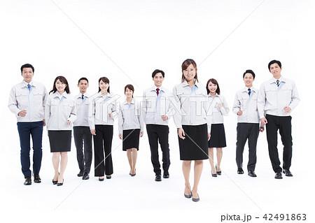 ビジネス 不動産 建築 建設 製造 白バック 大人数 42491863
