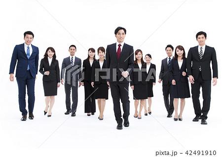 ビジネス 白バック 大人数 ビジネスマン 女性 男性 42491910