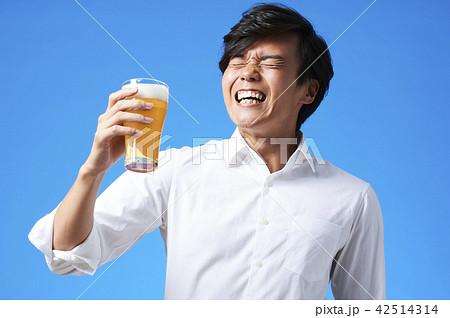 ビール 乾杯 42514314
