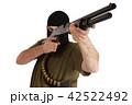 銃 強盗 男の写真 42522492