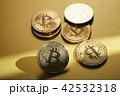 仮想通貨 金貨 通貨の写真 42532318