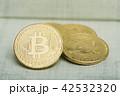 仮想通貨 金貨 通貨の写真 42532320