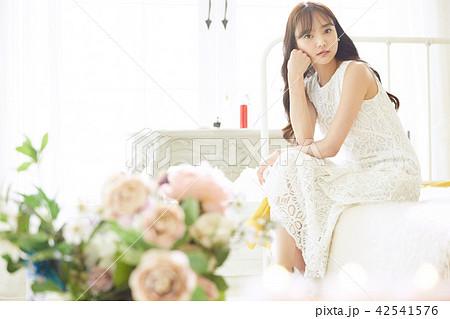 女性 ドレスアップ 42541576