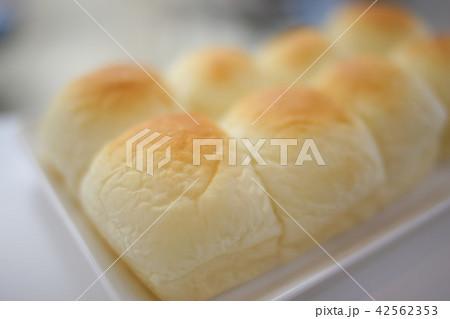 手作りちぎりパン perming 写真素材 42562353