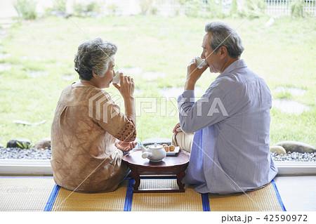高齢者 老人 夫婦 42590972