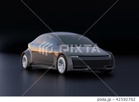 黒バックにメタリックグレイの電気自動車のイメージ 42592702