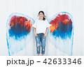 女性 壁 天使の写真 42633346