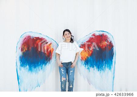 天使 羽 女性 42633966