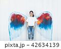 女性 壁 天使の写真 42634139