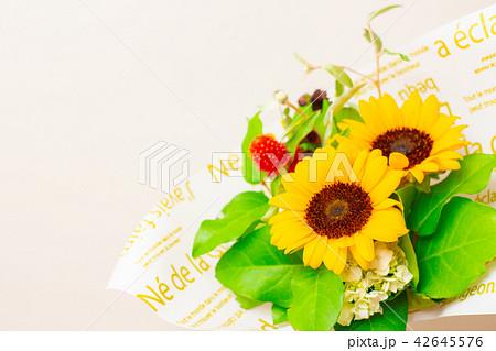 ひまわり 千日紅 花束 42645576