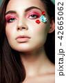 化粧 目 女性の写真 42665062