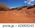 バレー オブ ファイヤー州立公園 赤い砂の地面 42669245