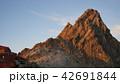 夕日を受ける槍ヶ岳山頂部 42691844