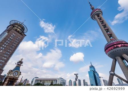 中国・上海の東方明珠電視塔 42692999