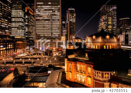 東京駅(夜景) 42703551