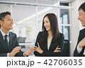 ビジネスマン ビジネスウーマン キャリアウーマンの写真 42706035