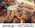 テント テント設営 人々の写真 42728281