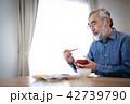シニア 食事 孤食の写真 42739790