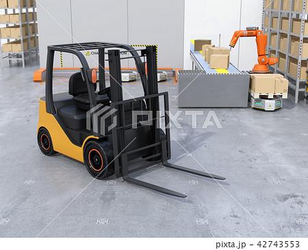 物流倉庫にある電動フォークリフト車のイメージ 42743553