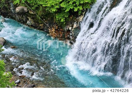 北海道 しらひげの滝 42764226