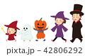ハロウィンの仮装をする家族(親子) 42806292