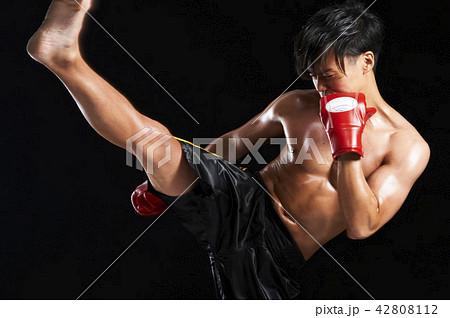 キックボクシング 42808112