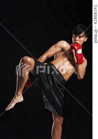 キックボクシング 42808141