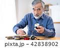 シニア 趣味 道具 手入れ 楽しみ 42838902