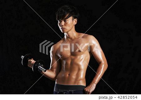フィットネス 筋肉 ダンベル  42852054
