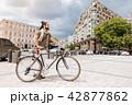 自転車 町中 中心街の写真 42877862