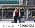 横断歩道 人々 人物の写真 42908428