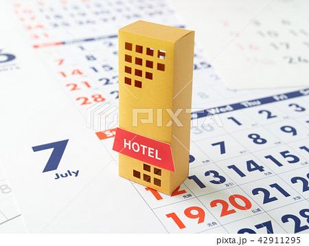 ホテル予約 旅行 繁忙期 カレンダー 42911295