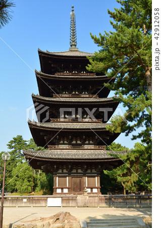 世界遺産・奈良公園 42912058