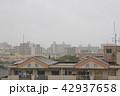 雨の日の住宅 42937658