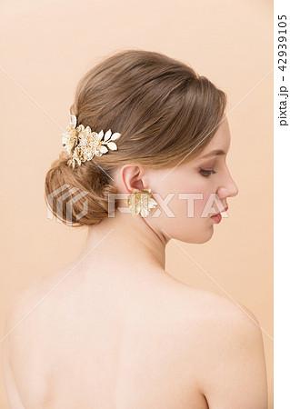 ブライダルビューティーショット 外国人女性 42939105