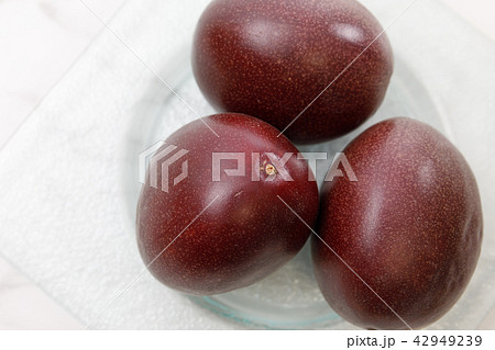 フルーツ パッションフルーツ 42949239